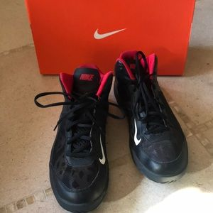 Nike duel fusion basketball shoes